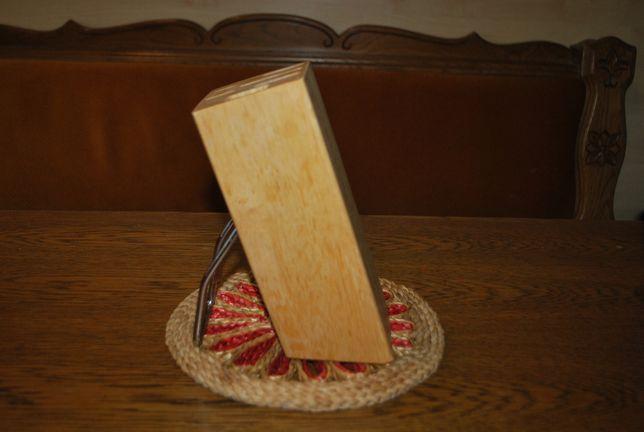 drewniana podstawka na noże