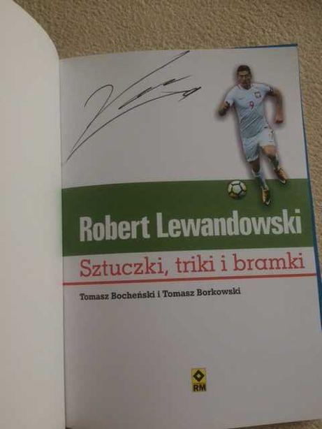 Robert Lewandowski autograf z charakterystyczną 9