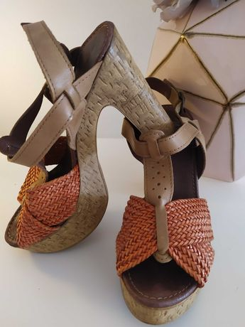 Sandálias laranja