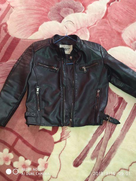 Продам модную курточку