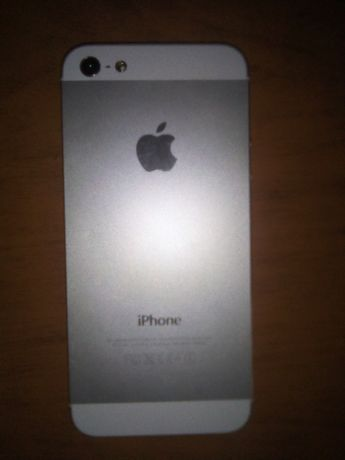 Продам Iphone 5 / MD655LL/A - в идеальном состоянии