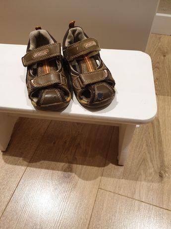 Sandały chłopięce 23