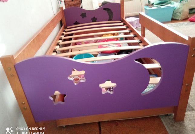 Dziecięce łóżko z szufladą 160×80. Olcha / fioletowe wstawki