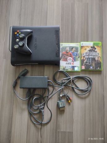 Xbox 360 120 GB kable i 2 gry