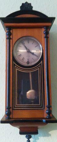 Zegar wiszący nakręcany