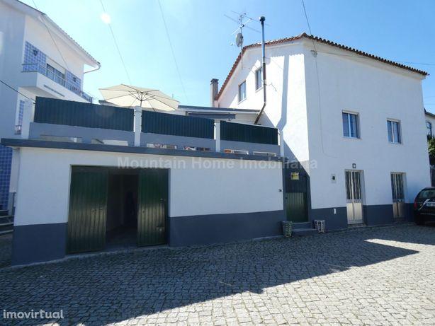 Moradia T5 Venda em Carragozela e Várzea de Meruge,Seia