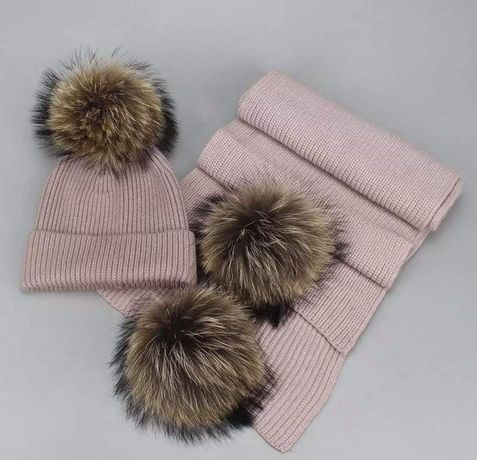 Komplet czapka i szalik z pomponami z jenota naturalnego