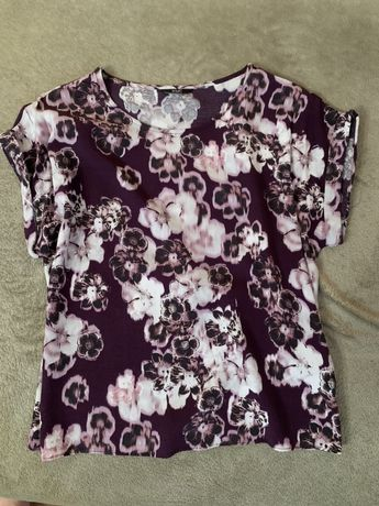Fioletowa bluzka w rozmyte kwiaty