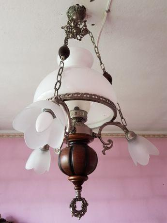 Piękny żyrandol. Lampa. XXw.