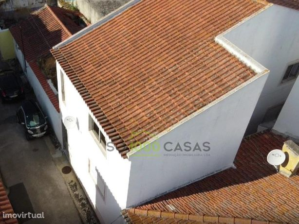 Moradia Bi-Familiar no centro de São Julião do Tojal
