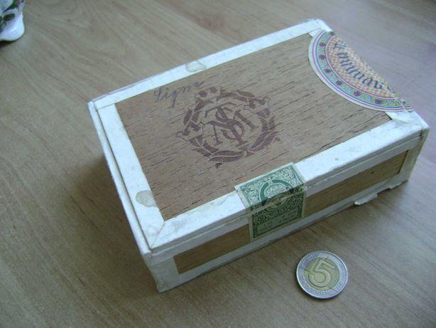 Starocie z PRL - Drewno = Pudełko po cygarach ze Szwecji Havanna