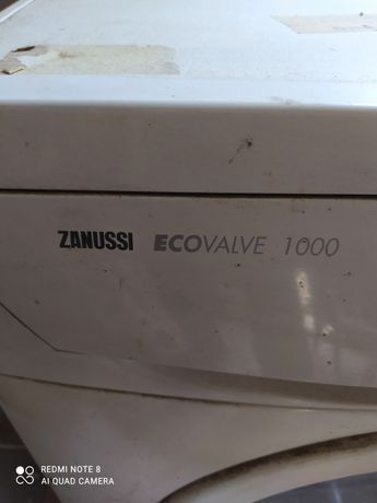 Продам пральну машину  занусі по запчастинам.