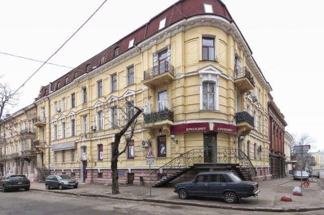 F Большая квартира на Гоголя!