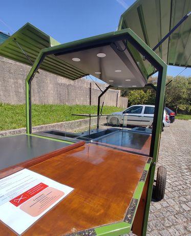 Street Food / Food Truck - Atrelado único + Mercedes Benz Vito 112 CDI