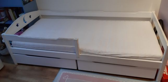 Łóżko dziecięce  drewniane pojedyncze białe