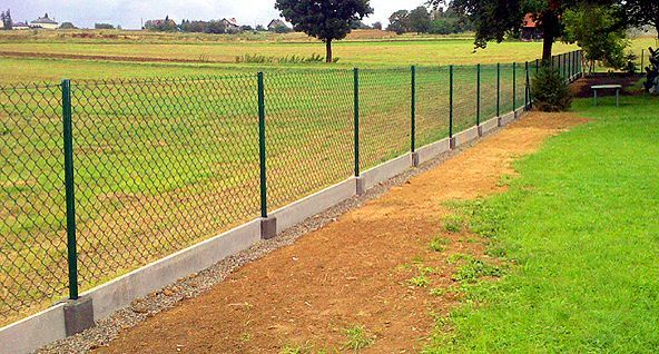 Siatka ogrodzeniowa ocynkowana oczko 65 x 65 wysokość 150 cm fi 3,5mm