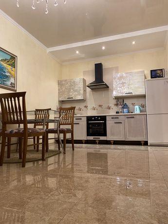Сдам просторную двухкомнатную квартиру с видом на море в Аркадии!
