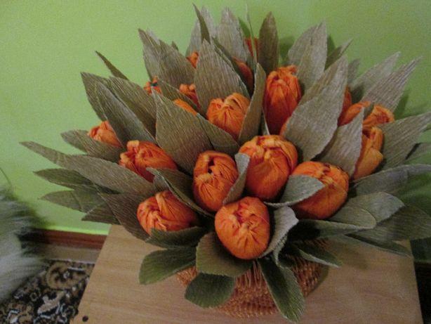 Квітковий кошик з цукерками (ручна робота)