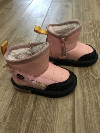 Зимові чобітки-угги