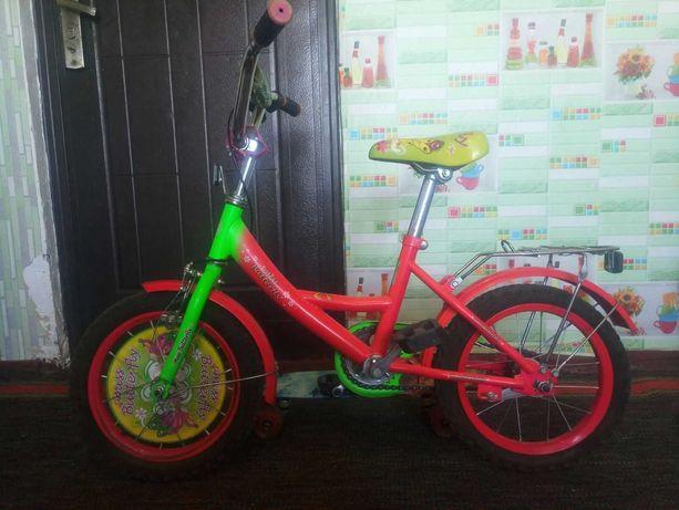 Велосипед для девочки,двух колесный