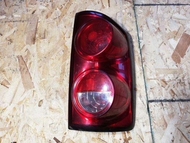 Lampa Dodge RAM PRAWA 08 r.