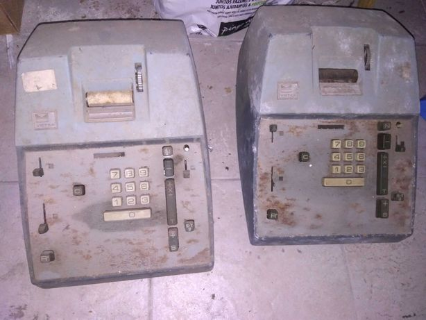 Conjunto de 2 calculadoras antigas Victor