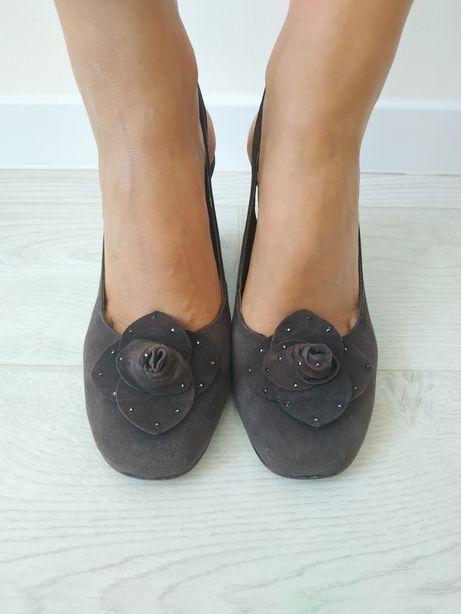 Коричневые замшевые туфли на танкетке с открытой пяткой, размер 38