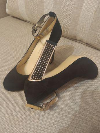 В идеальном состоянии туфли