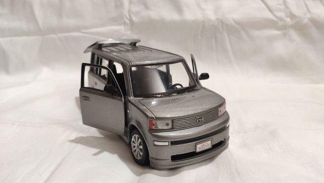 Модель Scion xB 1.24 Maisto Grey