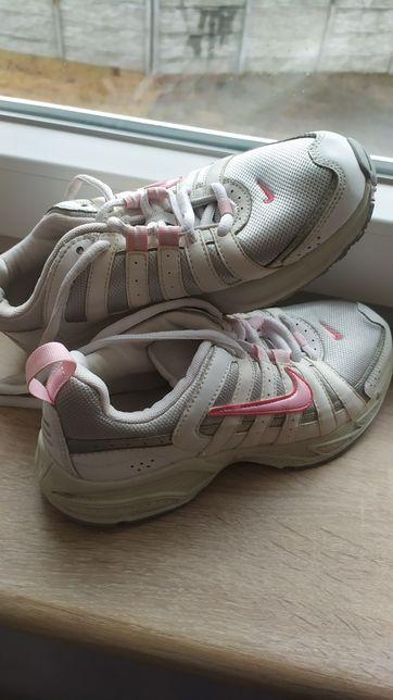 Buty sportowe Nike rozm. 35,5 Oryginalne Okazja.