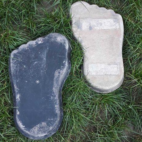 Formy stóp do ogrodu