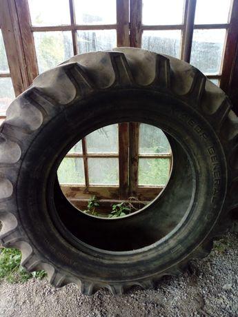 Vendo pneu trator
