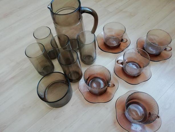 Zestaw szklanek dzbanek