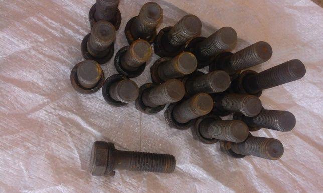 Болт вкладиша ступиці 40-3104023 на трактор ЮМЗ
