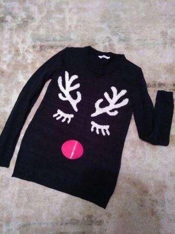 Прикольный свитер с оленями
