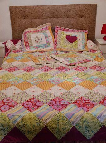 Colchas em patchwork artesanal