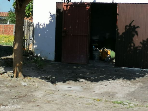 Moradia para reconstruir Barrio-Alcobaça