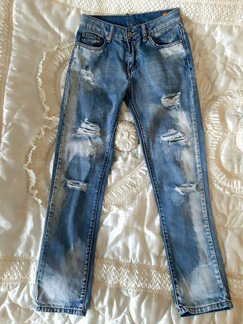Шикарные джинсы, состояние новых