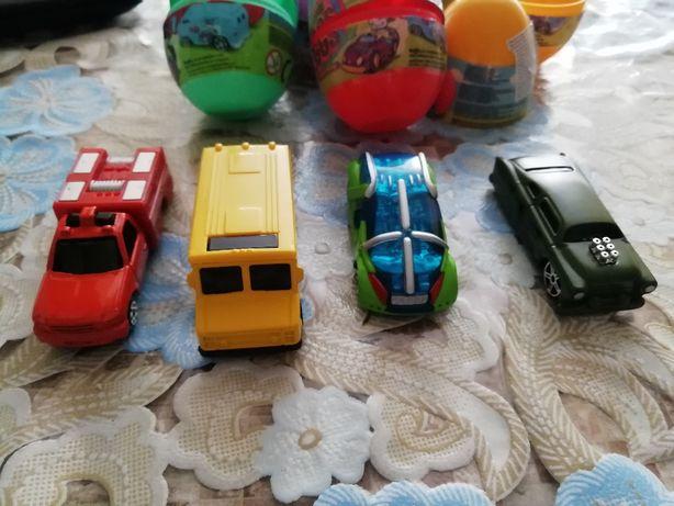 Яйцо-сюрприз Maisto с металлической автомоделью продажа обмен