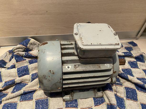 Silnik elektryczny 380V 2.2 kW 2860 obr