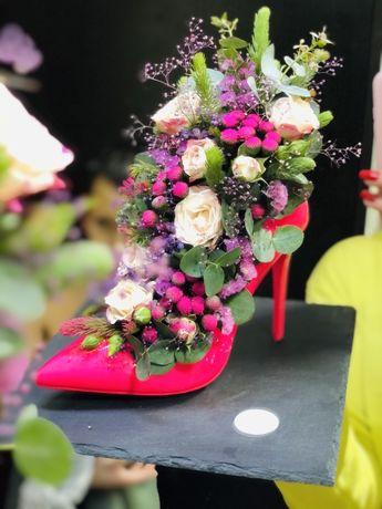 Букет на 8- марта!Цветы на 8-марта! флористика и декор KvitoLito