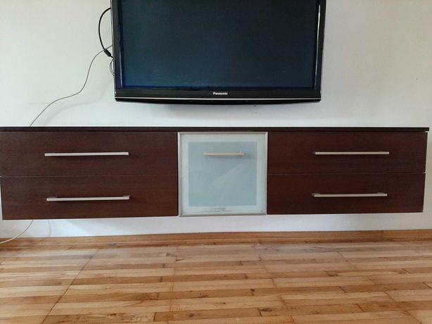 Duża elegancka szafka pod TV, ale może wisieć w innym dowolnym miejscu