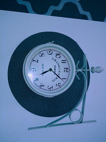 Sprzedam dwustronny zegar ścienny