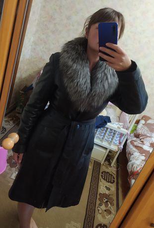 Шкіряне пальто