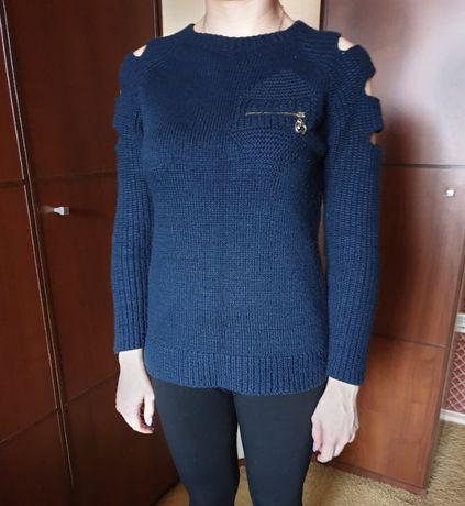 Новый синий свитер зима