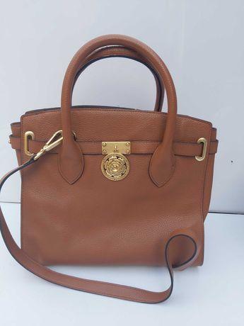 Brązowa torebka GUESS LUXE koniakowa kuferek torba róża skórzana