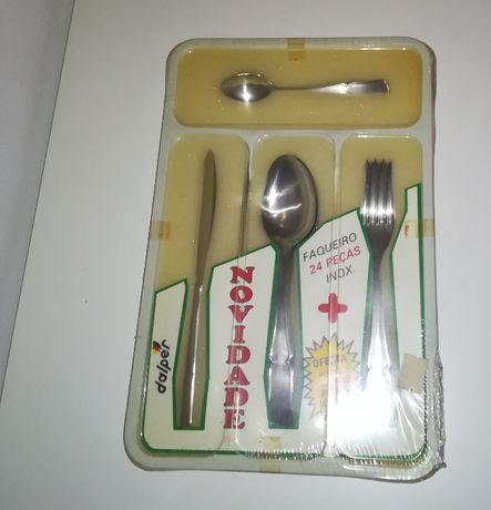 Conjunto Faqueiro NOVO + Tabuleiro (talheres, facas garfos colheres)
