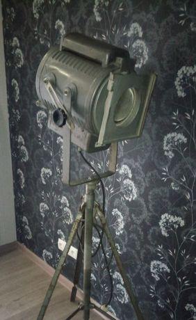 Театральний прожектор СССР..лофт