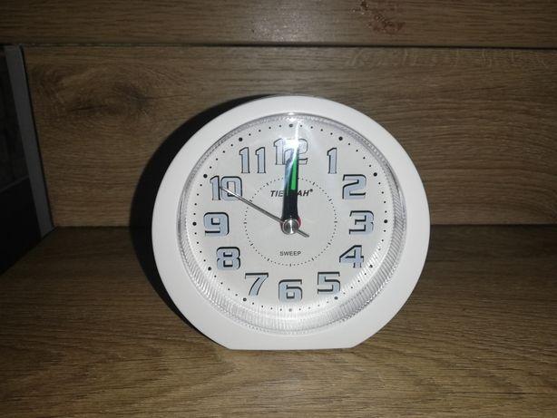 Budzik, zegarek na baterie, podświetlenie tarczy