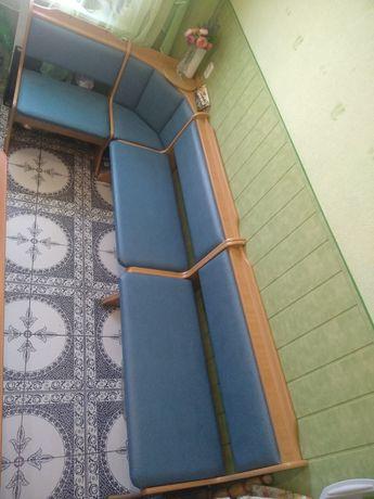 Кухонный уголок, кухонная мебель, пуфик, диван, сиденье, стул!